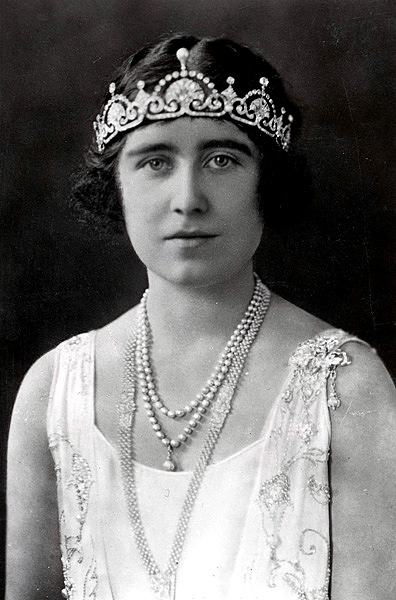 Elizabeth, Duchess of York, wears the Lotus Flower tiara in the bandeau style. Elizabeth had the tiara fashioned from a necklace given to her as a wedding gift.